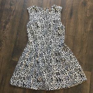 BLACK & WHITE ROSE PATTERN DRESS